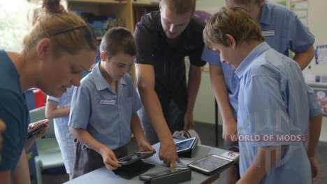 Lehrer helfen Kindern