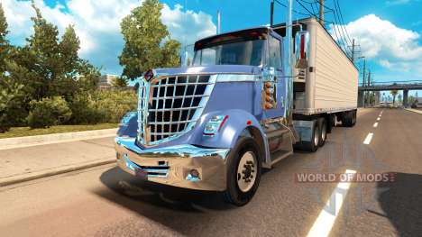 International LoneStar in Verkehr für American Truck Simulator