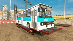 Bas de balayage avec l'autobus Ikarus 260