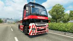 Mammoet de la peau pour le camion Mercedes-Benz