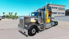La peau de Mad Max sur le camion Kenworth W900