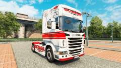Blanc de peau-rouge sur un tracteur Scania