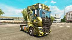 Skins Energy-Drinks auf dem Traktor Scania R700