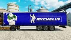 La peau sur les pneus Michelin semi-remorques