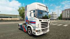 La peau Martini Rancing sur le tracteur Scania
