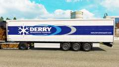 Haut Derry auf einen Vorhang semi-trailer