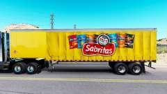 Haut Sabritas auf einen Vorhang semi-trailer