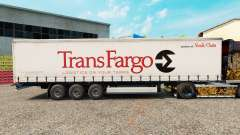 La peau Trans Fargo sur un rideau semi-remorque