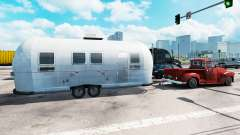 Airstream-trailer im traffic